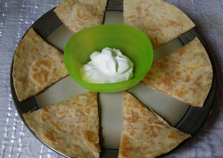 Consuming 14 Superfoods Is A Superb Way To Go Green For Better Health Chicken/Cheese Quesadilla