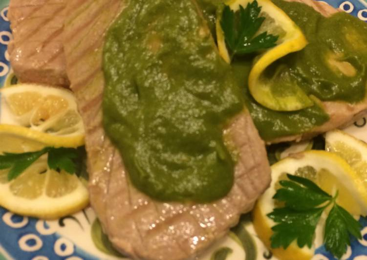 How to Make Yummy Yellowfin Ahi Tuna With Asparagus Sauce