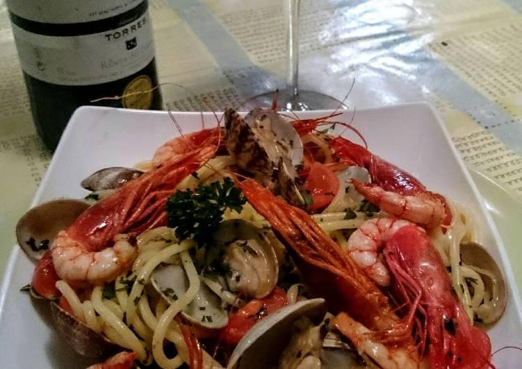 Spaguetti con frutti di mare