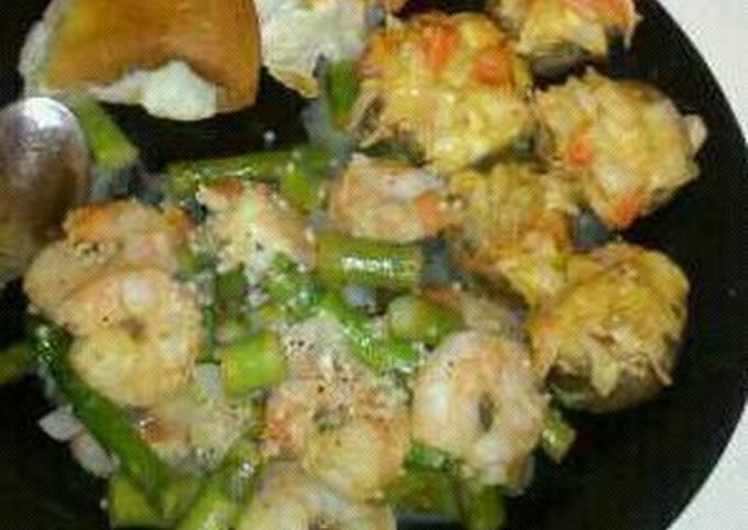 Miles of Crab stuffed mushrooms w/ garlic shrimp&asparagus