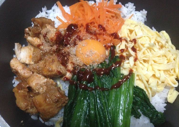Bibimbap in a Frying Pan, Foods That Are Helpful To Your Heart
