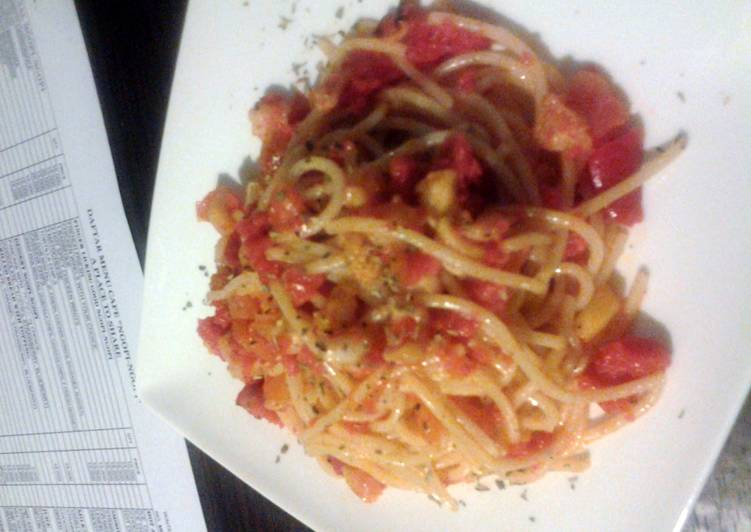 Easiest Way to Prepare Tasty Spicy Seafood Spaghetti