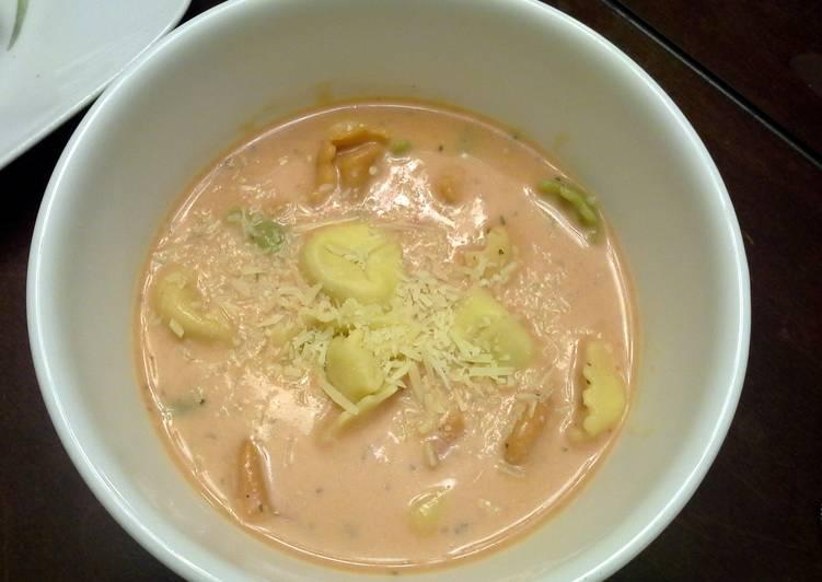 Recipe of Quick Tomato Tortellini Soup
