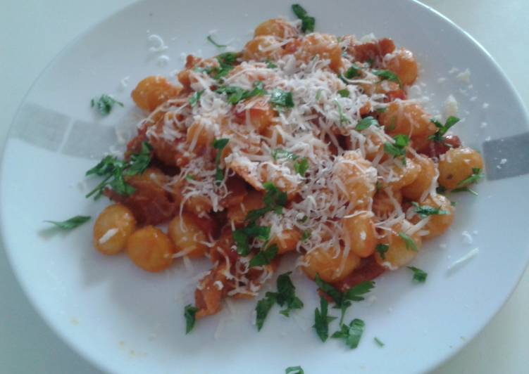 Recipe of Most Popular Gnocchi with red pepper and prosciutto