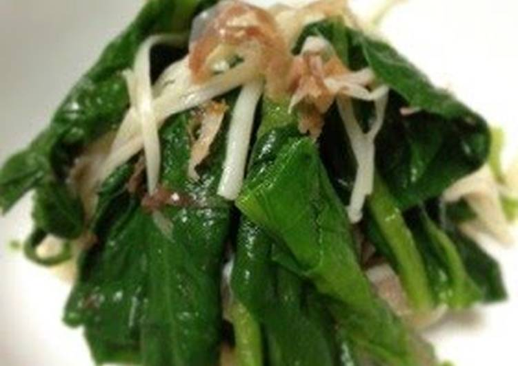 Easiest Way to Make Ultimate Easy Side Dish! Boiled Spinach and Enoki Mushrooms with Shiro Dashi