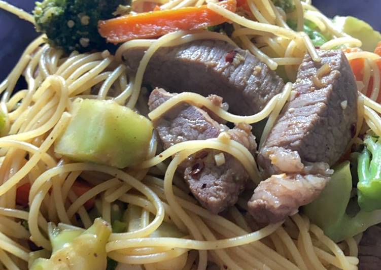 Recipe: Yummy Beef & Broccoli Lo Mein