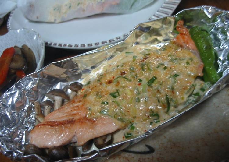 What is Dinner Easy Blends Foil-Wrapped Salmon with Green Onions and Mayonnaise