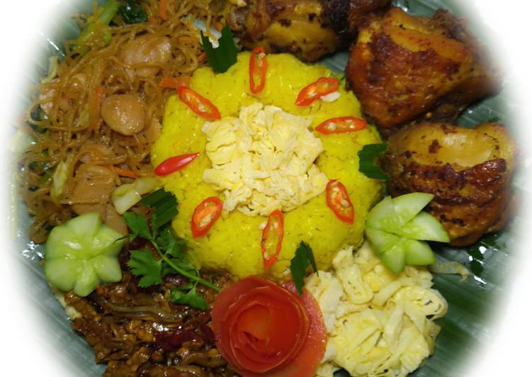 Nasi Kuning Magicom (135) - cookandrecipe.com