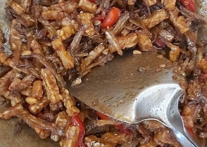 Langkah Mudah untuk Menyiapkan Sambel goreng kering tempe & ikan teri Anti Gagal