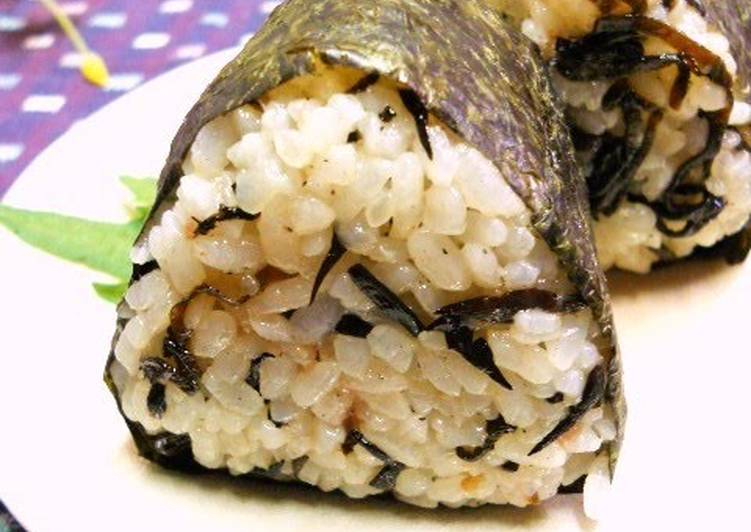 Recipe of Perfect Rice Ball with Plum and Hijiki Seaweed
