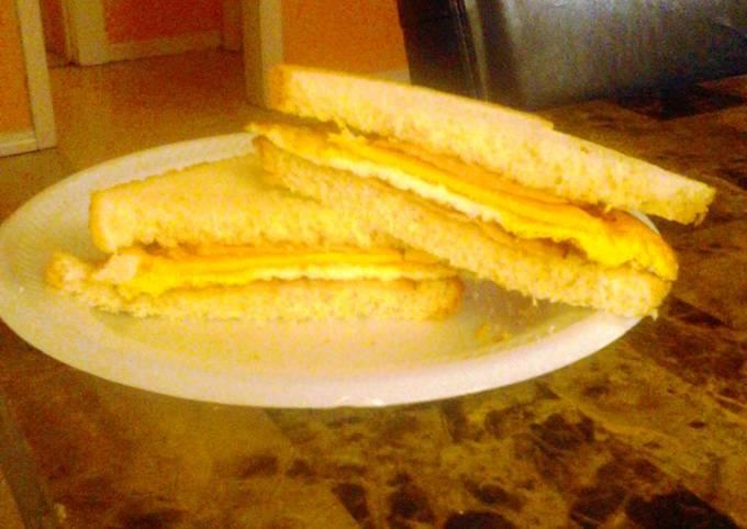 Simple fried breakfast sandwich