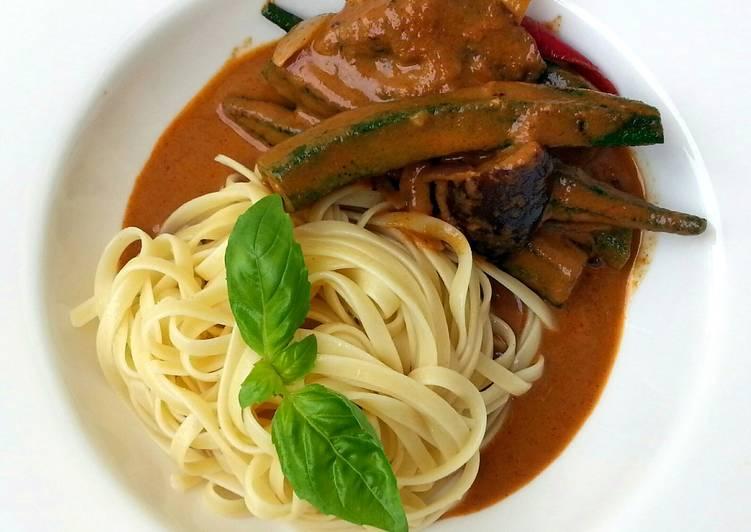Steps to Make Super Quick Homemade Thai Red Vegetables Curry Linguine