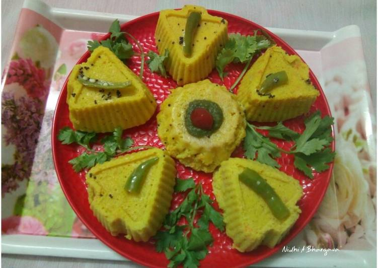 Vegetable muffin khaman