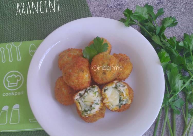 Spinach Arancini (Bola Nasi Bayam)
