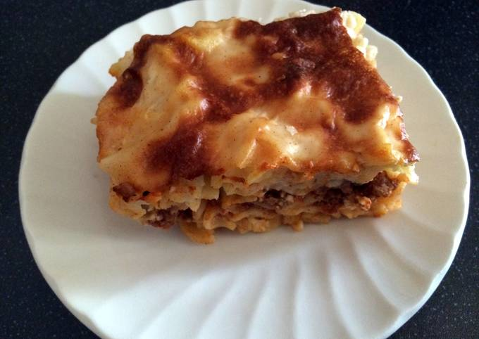 Pastitsio (greek pasta bake)