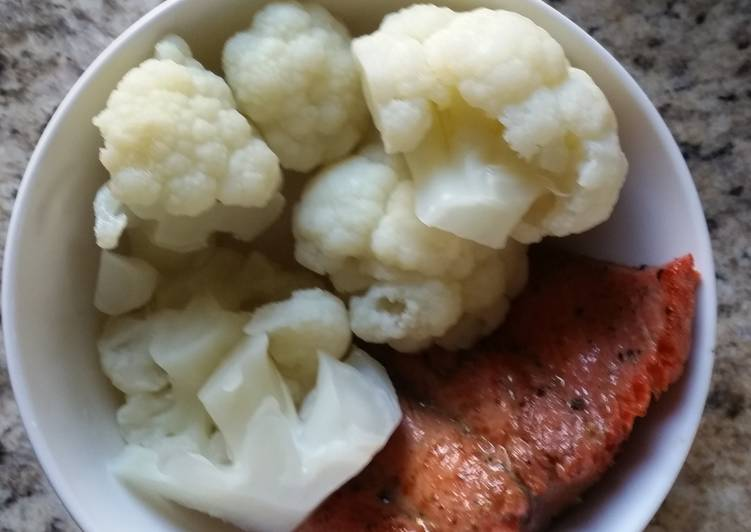 Recipe: Delicious Hot Pepper Jelly Glazed Salmon & Cauliflower