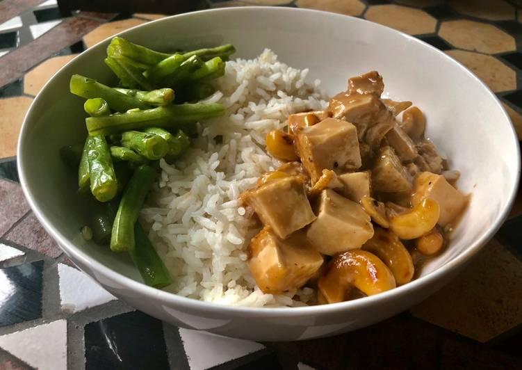 Recipe of Award-winning Tofu in coconut/cashew sauce & fried green beans