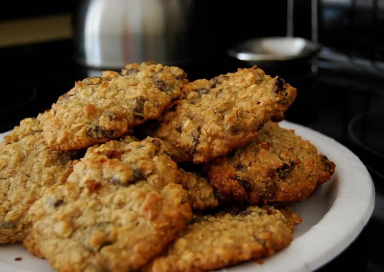 Ultra Rich Oatmeal Raisin Cookies