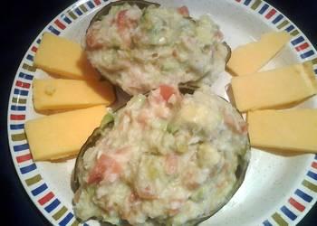 How to Prepare Delicious Avocado and crab salad