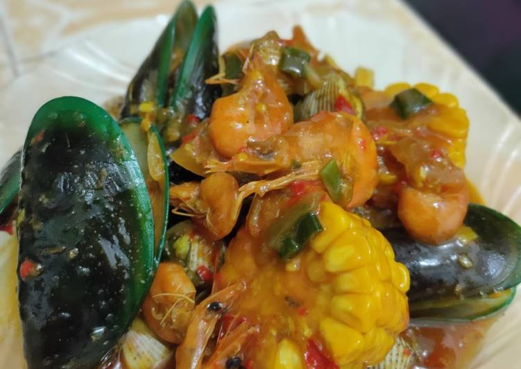 Seafood saos padang 🦐🦞🦑🦪🌽🧅🍤