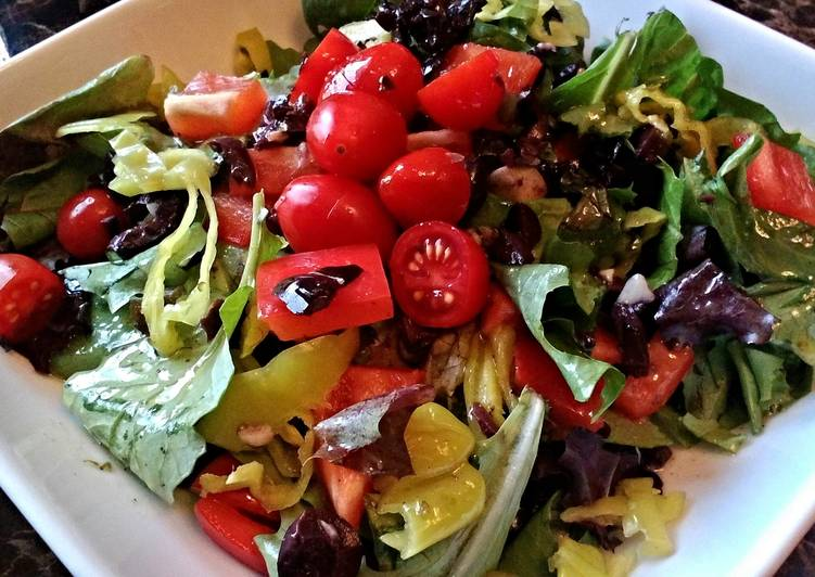 Eating 14 Superfoods Is A Superb Way To Go Green For Better Health Chopped Salad/ Greek Style