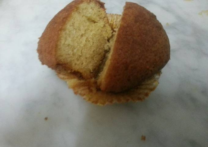 Simple and Delicious Vanilla Muffins