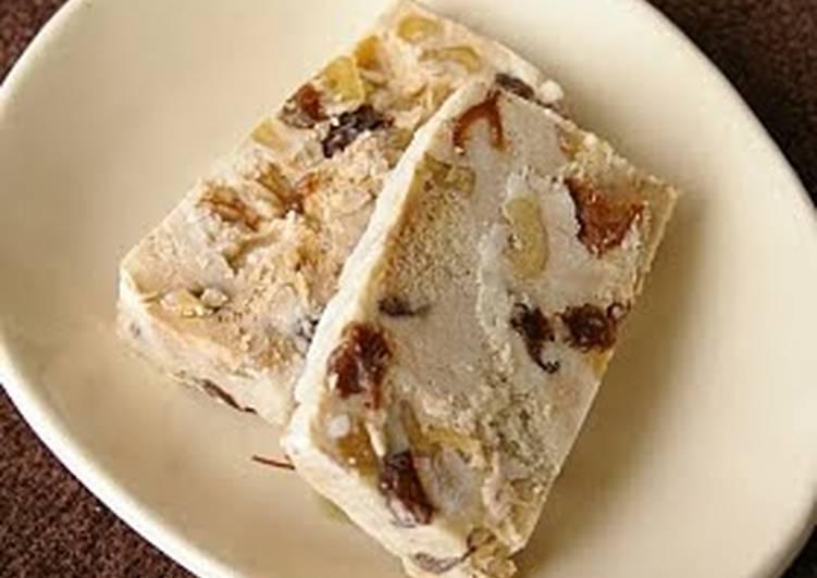 Steps to Make Homemade Ice Cream Cake with Rum Raisins