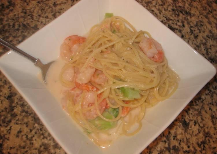 Salmon & Shrimp Creamy Pasta