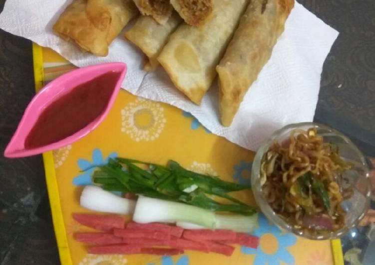 Maggi noodles vegetables spring roll