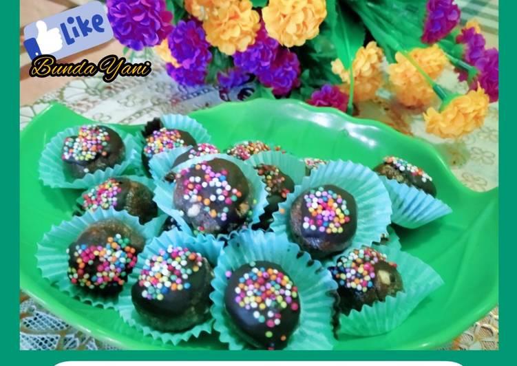 Biskuit Marie Bola Bola Coklat