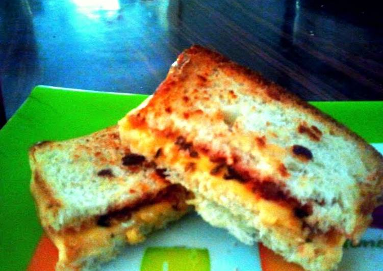 Easy breakfast cheese toast