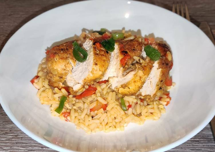 Pikanter Reis mit Hähnchenbrust