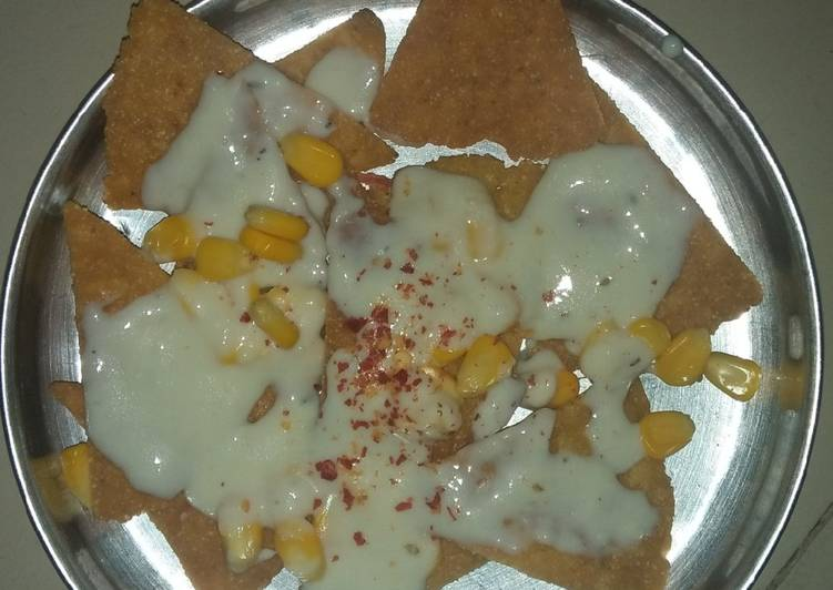 Steps to Make Favorite Nachos with cheese sauce