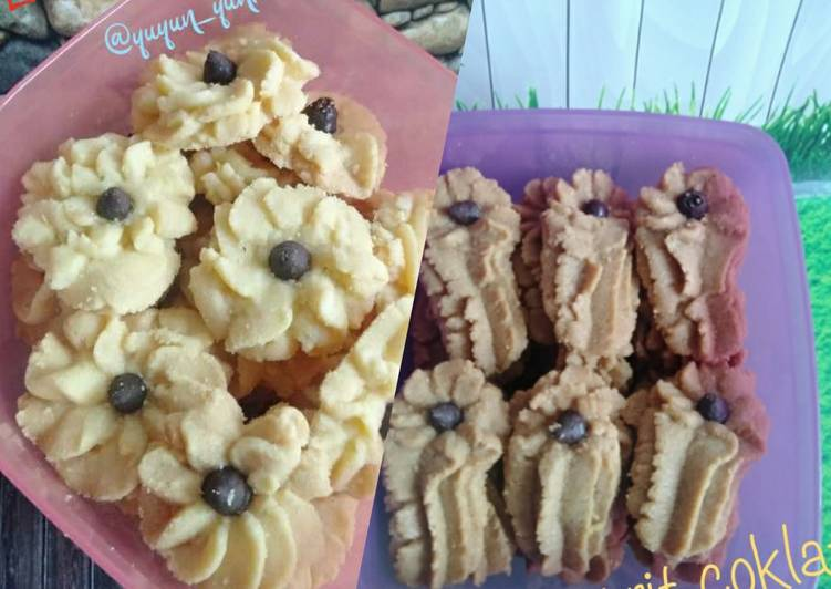 Kue Semprit / Dahlia Cookies