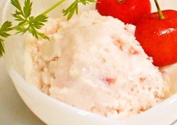 Low-Calorie Cherry and Yogurt Ice Cream