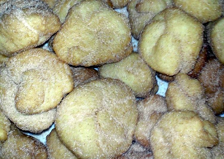Räderkuchen (Fried dough cakes)