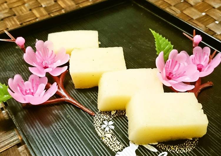10 Minute Steps to Make Refreshing Simple Flour Uirō Steamed Cake