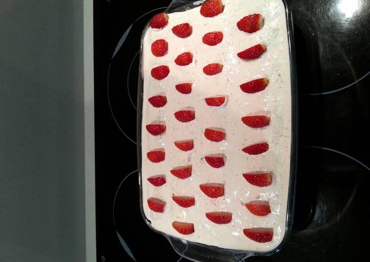 strawberries tiramisu