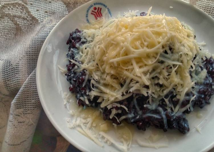 Black Sticky Rice and Cheese Dessert