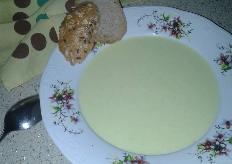 Vichyssoise (cream of leek and potatoes soup)