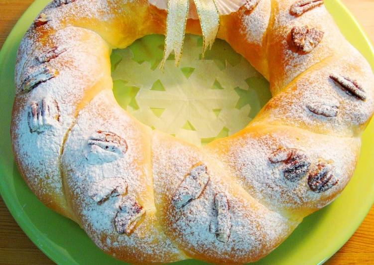 Eating 14 Superfoods Is A Superb Way To Go Green For Better Health Fluffy Powdered Snow Christmas Bread Wreath