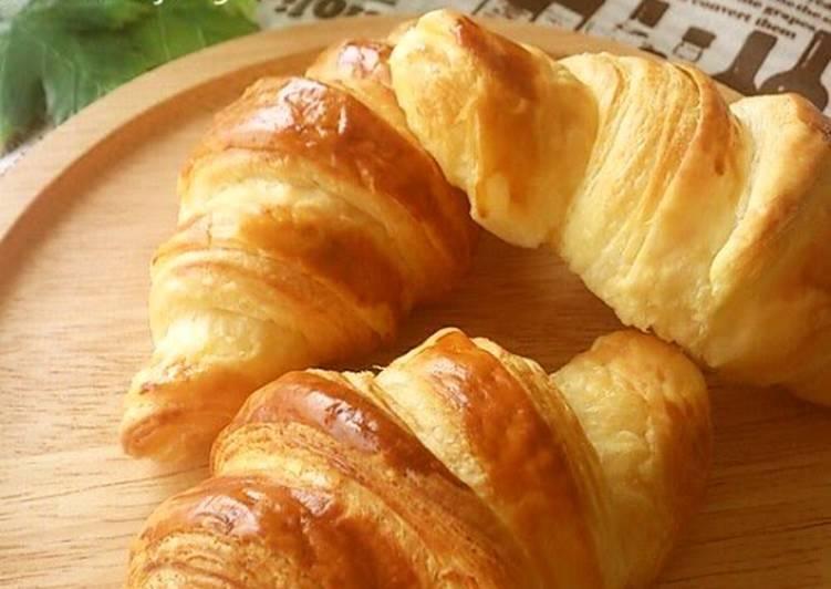 Flaky Croissants