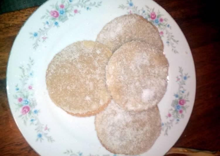 Gooey peanut butter cookies ( Only 3 ingredients)
