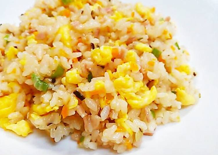 Turn Good Recipes into Great Recipes With Crumbly Fried Rice in a Rice Cooker