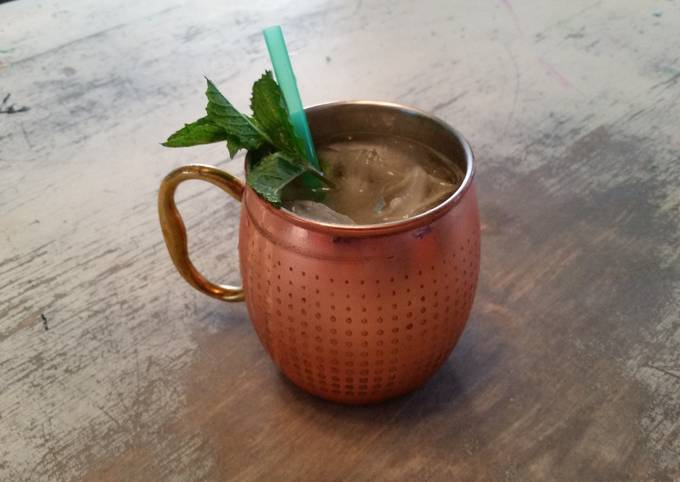 Moscow Mule (w/ alcoholic ginger beer)