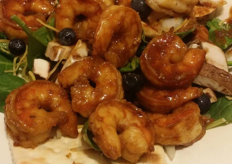 10 Minute Step-by-Step Guide to Prepare Quick Teriyaki Shrimp Spinach Kale and Blueberry Salad