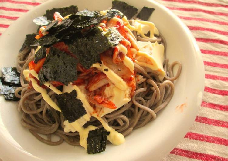 Recipe: Yummy Soba Noodles Topped with Kimchi, Mayonnaise, & Tofu!