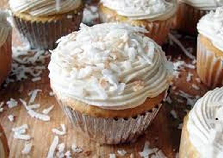Simple Way to Prepare Favorite COCONUT CUPCAKES WITH WHITE CHOCOLATE BUTTERCREAM