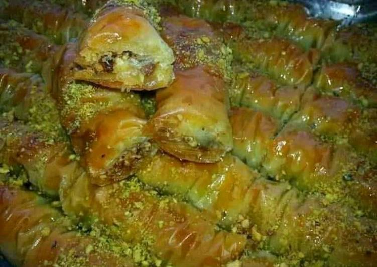 Consuming 14 Superfoods Is A Great Way To Go Green And Be Healthy Baklava