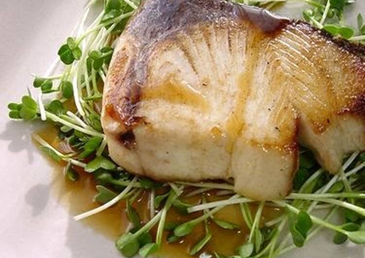 Selecting The Best Foods May Help You Stay Fit And Also Healthy Pan-Fried Amberjack with Shiso Butter Sauce